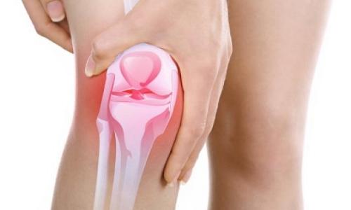 Почему опухло колено